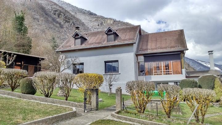 Maison au calme avec belle vue sur les montagnes