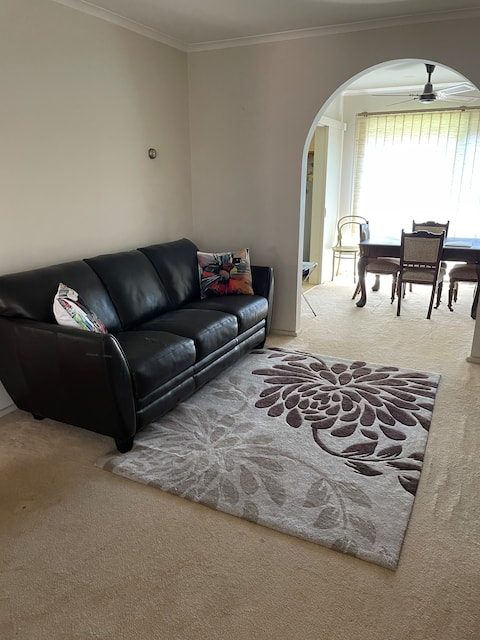 Affordable fully furnished Private Unit +courtyard