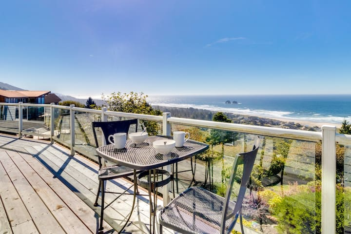 Ocean view from beach home with jetted tub, multiple decks!