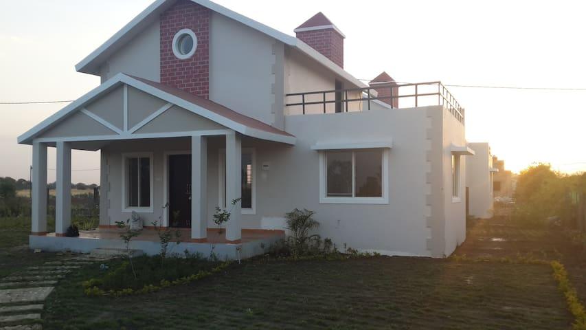 Aakriti NS71 - Bhopal - Rumah