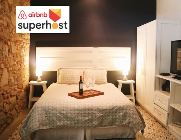 Long Term Guest - Chic Studio in Casco Antiguo