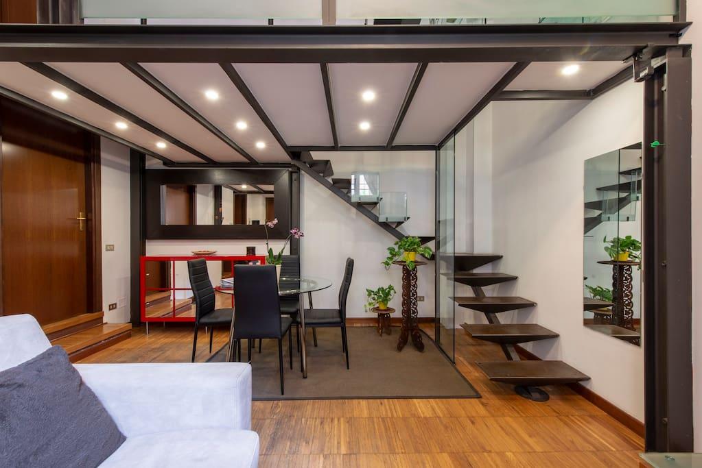 Living area/dinner table