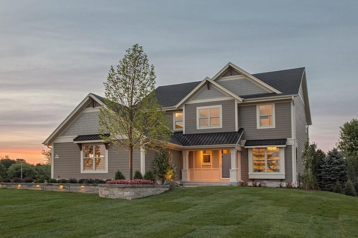 Large 2 Story Modern Home!