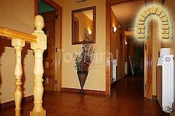 Hotel Rural  *** EL ARCO - Pesquera de Ebro - Bed & Breakfast