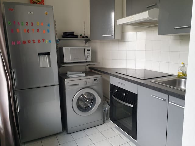 APPARTEMENT COSY +WIFI+ 20.000 CHAÎNES TV+ PARKING