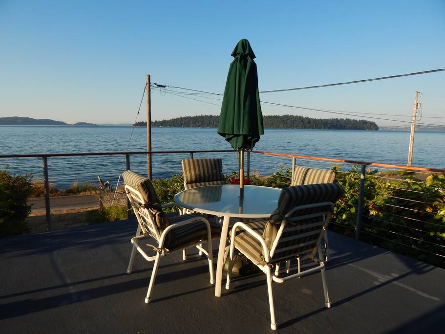 Front deck looking out toward Blake and Bainbridge Islands with West Seattle to the east across Puget Sound