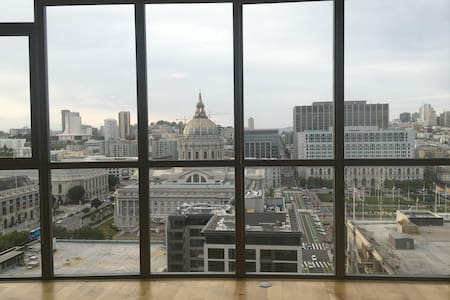 Great City view master king bedroom private bathrm - San Francisco - Condominium