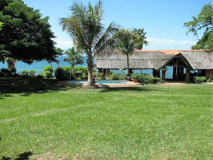 Nkhudzi Beach Lodge