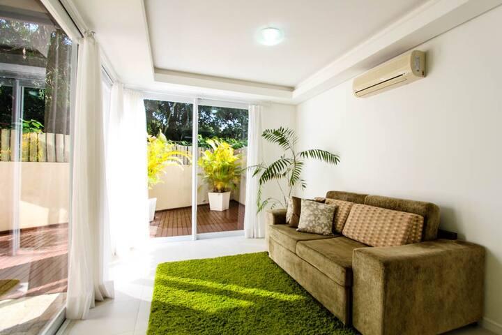 Casa de 3 quartos e 3 banheiros na Praia Mole! - Florianopolis - Condominio