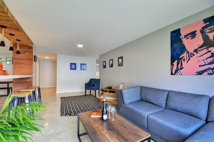 Modern & Spacious || Convenient location || 3 BD - Medellín - Lägenhet