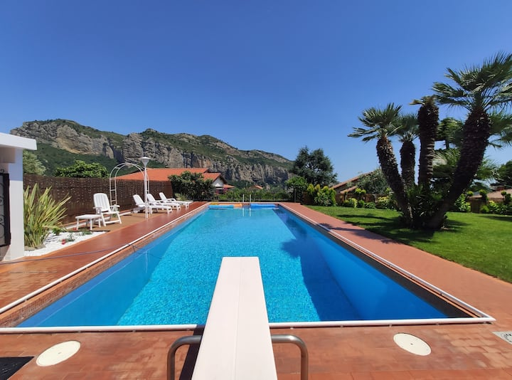 MAISON10TH VILLA with PRIVATE Swimmingpool & BBQ