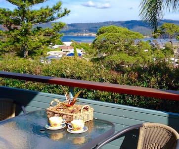 LOCATION LOCATION! -WATER VIEWS -SUNNY APARTMENT - Narooma