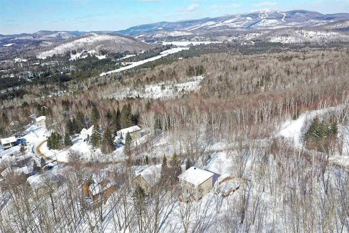 Tremblant 2 bedrooms home in the Mountains