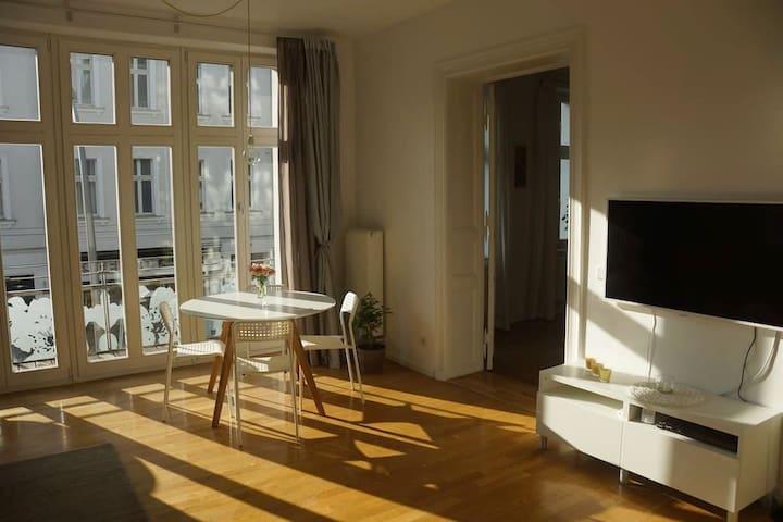 Bright & Spacious Apartment Berlin Friedrichshain