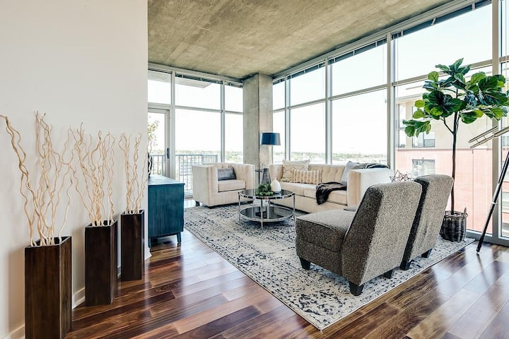 Luxury Loft in Downtown Denver..The best location!