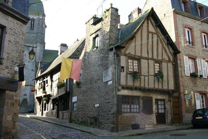 La Vieille Auberge - house in the heart of Dinan - Dinan - Maison