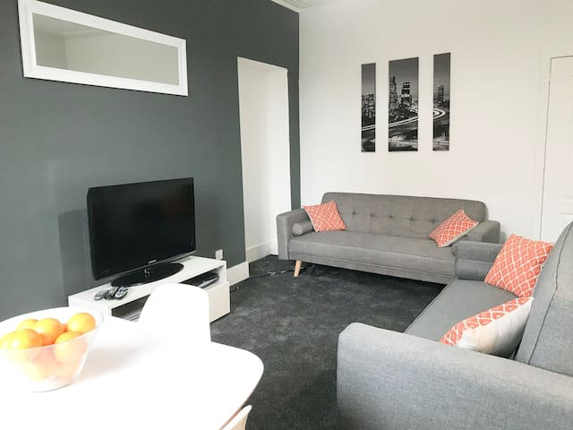 Skene Apartment, City Centre (AB25) 2-Bedroom