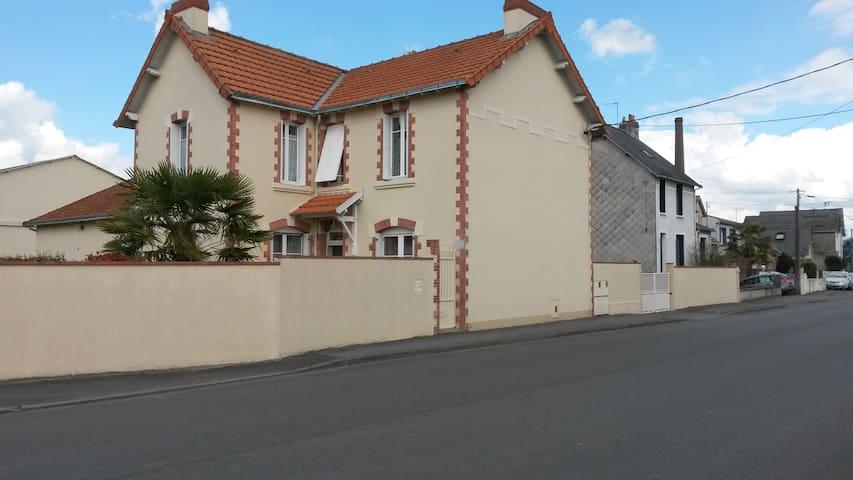 logement très clair et fonctionnel - Cholet