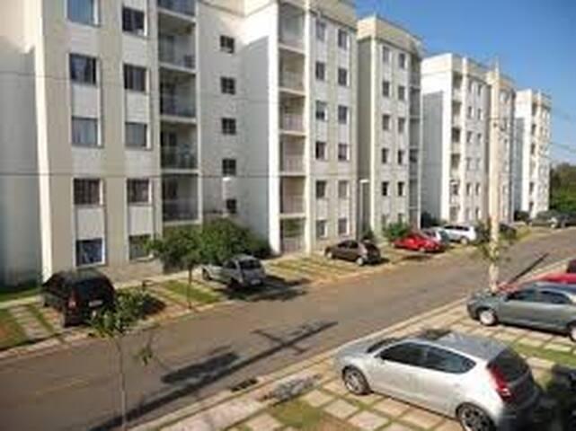 1 Quarto apartamento Garden centro de Cotia Apartments  ~ Tapetes Quarto Aki