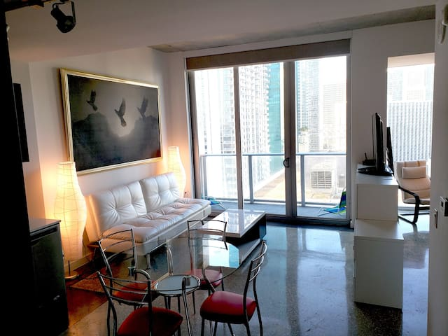 Modern Downtown Studio for Great Miami Vacations