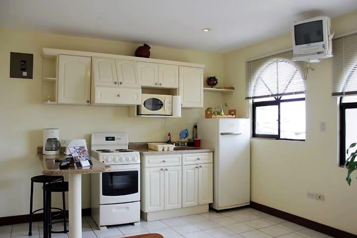 Apartments Linda Vista  - Ciudad Colón - Lägenhet