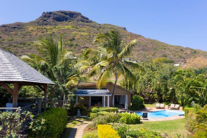 Villa Acassia 140 sqm Pool 500 m La Preneuse Beach