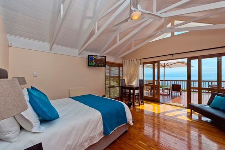 Aquamarine Guest House - Honeymoon Suite