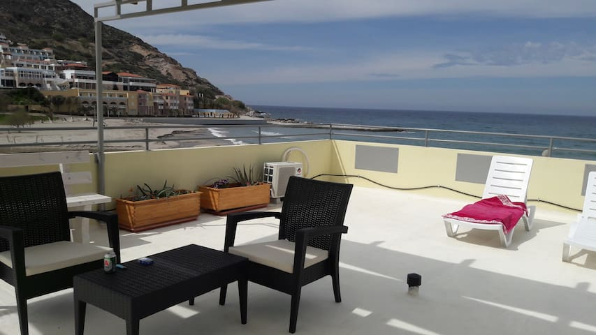 Studio with balcony and rooftop beach view . - Φόδελε - Leilighet