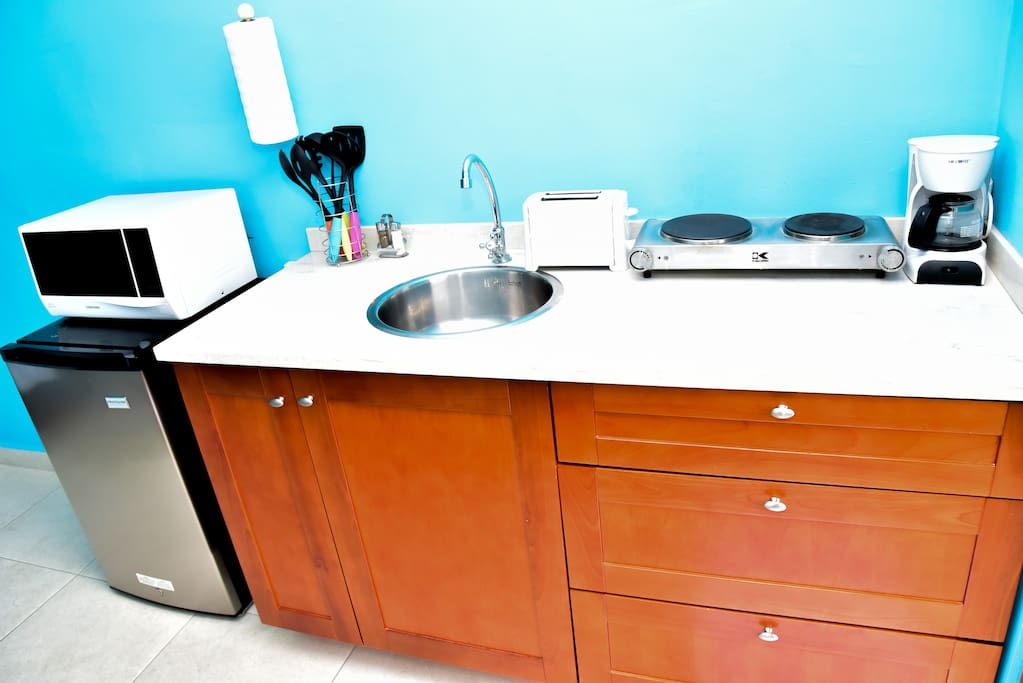 Fully equiped kitchenette with all you need to make your delicious meal, electric stove , cofeemachine , toaster , blender, pots and pans , utensils and Dishes , coffeemachine, wineglasses and a safebox also provided.