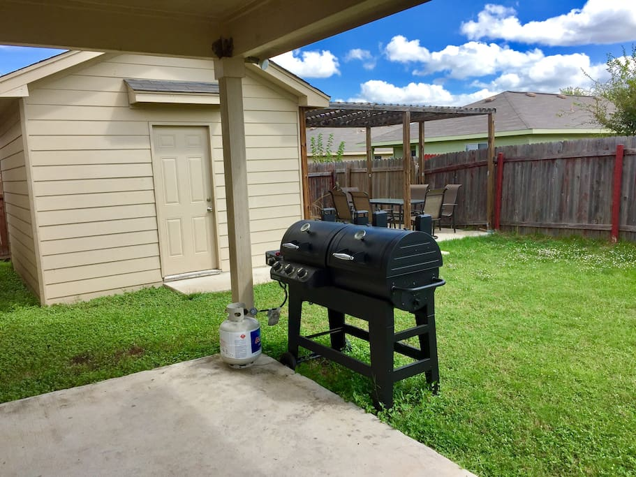 Double sided propane grill perfect for  BBQs under the pergola