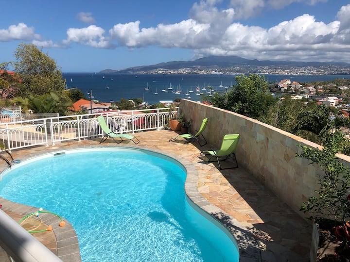Chambre dans villa privée vue mer