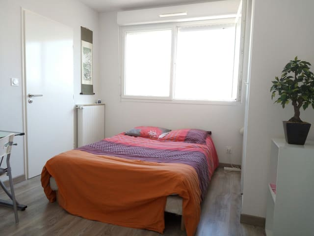 Suite parentale, T4 à côté metro - Marseille - Apartment