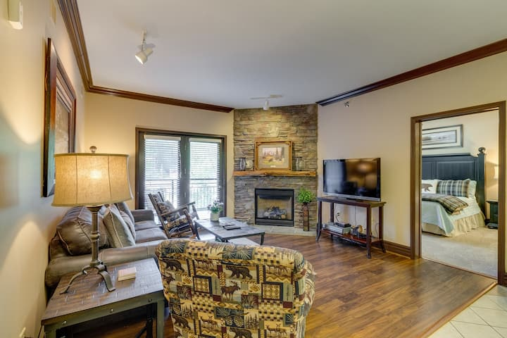 Downtown condo w/ jetted tub, fireplace & shared pool/hot tub/fitness room!