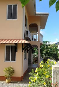 Villa Cachee, safe,5 mins walk to BeauVallon beach - Beau Vallon - Lakás