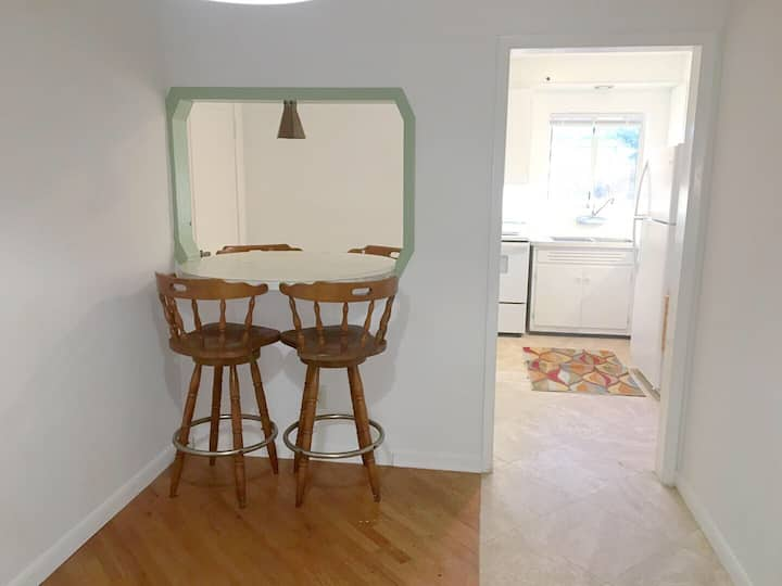 Cute 1 BR Unit on quiet street