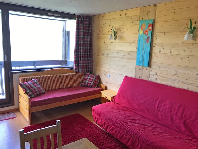 Ski in/Ski out Studio with great views/location!