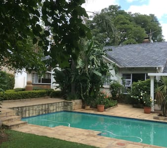 Liongate Bed and Breakfast - Germiston
