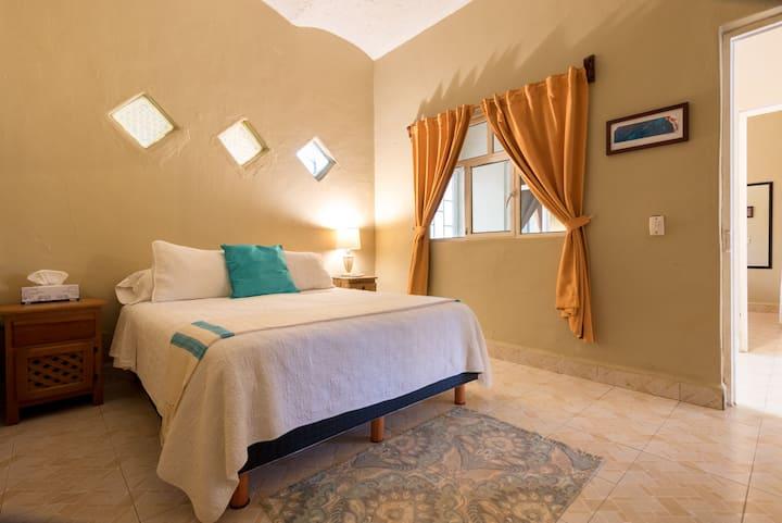 Charming Casa Risa Near Town and Hidden Beaches