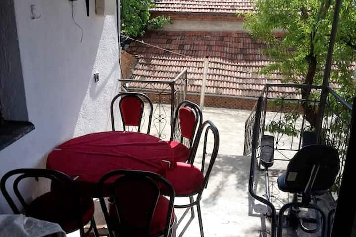 Apartment with 2 bedrooms in Prilep, with wonderful mountain view, terrace and WiFi