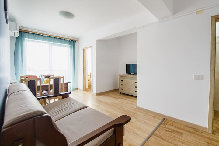 Sunny View 2 Bedroom Central Apartment