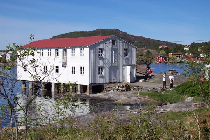 Amundøy Rorbu, Frei by Kristiansund