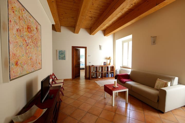 Casa della Luce - Urbania - Apartemen