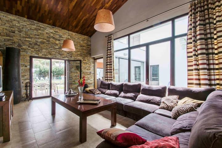 Villa de 400 m2 con piscina privada
