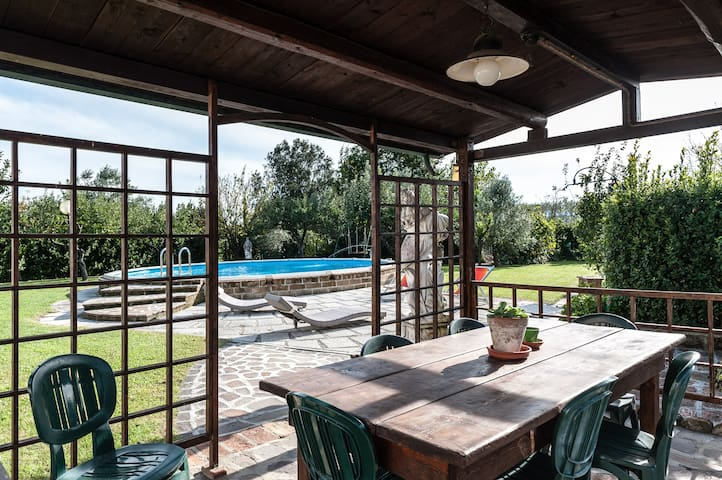 Casolare con piscina in Toscana - Capannoli - House
