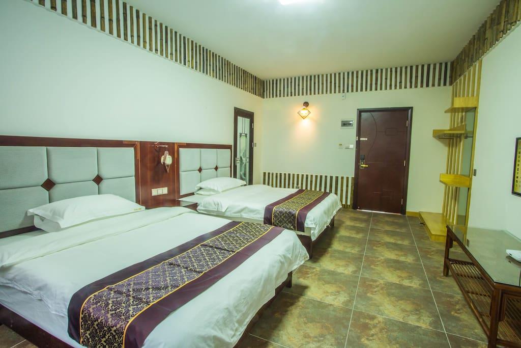 豪华山景双床房