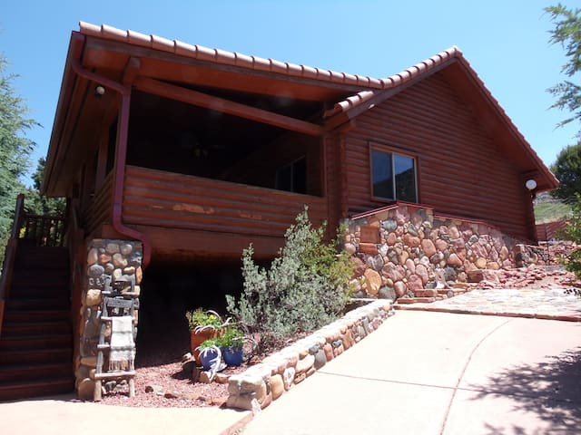 Red Rock Cabin
