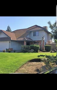 A beautiful 2200 sq house - Fresno