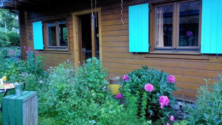 Gemütliches Holzhaus nahe Bodensee