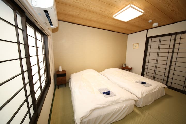 F2 Japanese Classical Premiere Bedroom 和风复古卧室1(高级床垫)