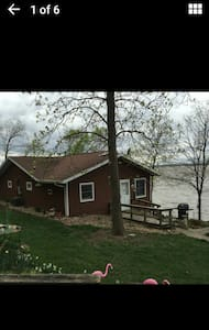 Cozy house on the Mississippi River - Niota